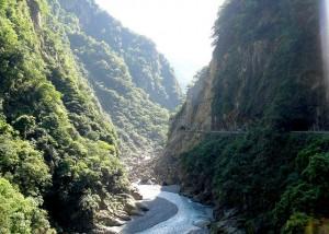 Taroko Gorge Road, Taiwan pondhawk