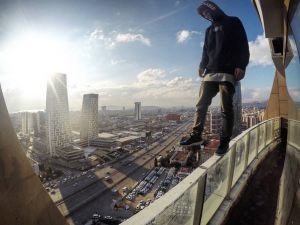 Urban Alpinists and Rooftoppers